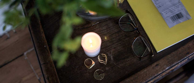 100% natural aromatherapy candle Ara Living